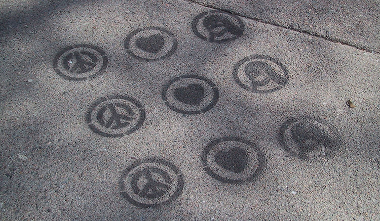 IBM глобени заради графити реклама на Линукс